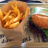 肉汁たっぷりのスーパーデューパーのバーガー